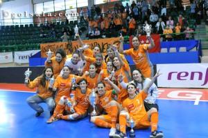 Encofra Navalcarnero con la Supercopa Femenina