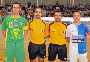 Colegiados con los capitanes del Talavera y Galdar