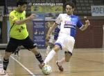 Javi Rodríguez (Manacor) luchando por un balón ante un rival del OID Talavera